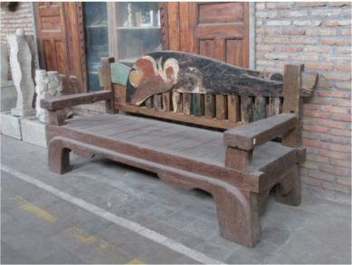 bench colonial